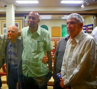 Huber Matos (sinistra), Guillermo Fariñas e Luis Posada Carriles (destra)