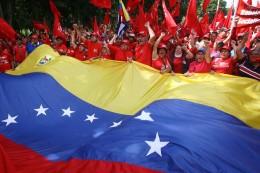 Mirandinos protestan contra ataques de opositores a misiones sociales